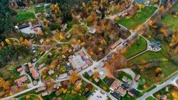 İsveç'te 7.3 milyon dolara satılık Satra Brunn köyü